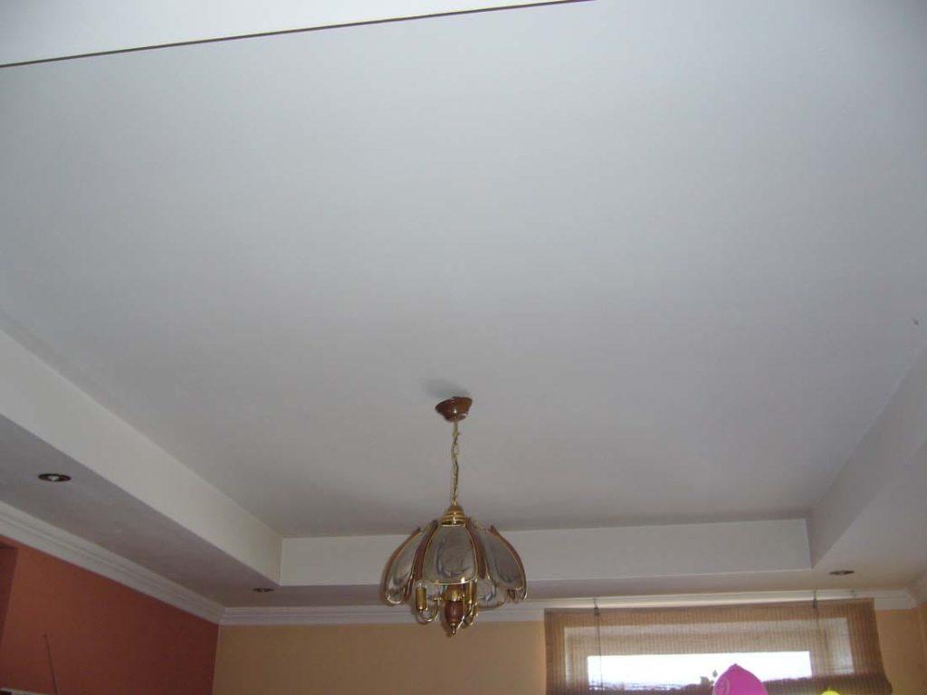 как покрасить потолок фото